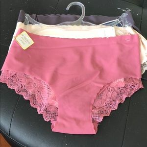 Set of 3 Brand new panties no lines
